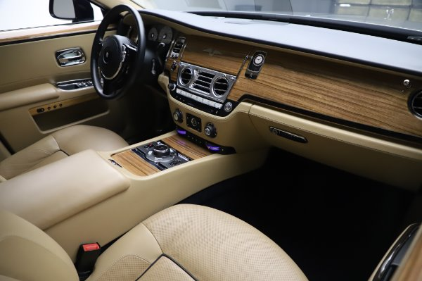 Used 2014 Rolls-Royce Ghost V-Spec for sale Sold at Bentley Greenwich in Greenwich CT 06830 12