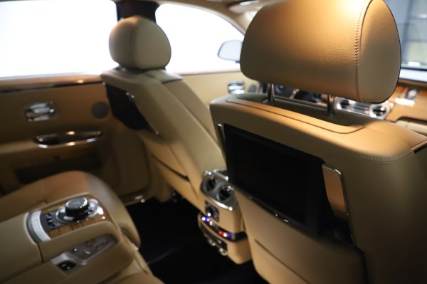 Used 2014 Rolls-Royce Ghost V-Spec for sale Sold at Bentley Greenwich in Greenwich CT 06830 16