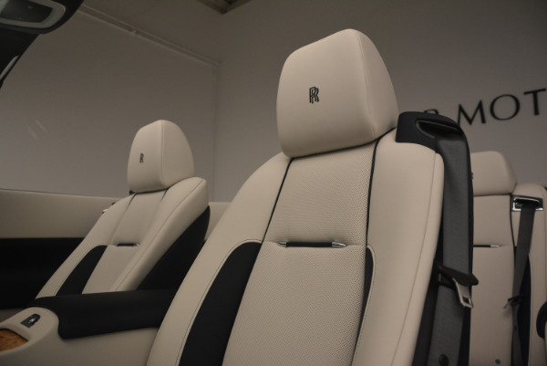 Used 2017 Rolls-Royce Dawn for sale $245,900 at Bentley Greenwich in Greenwich CT 06830 27