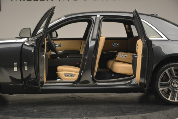 Used 2017 Rolls-Royce Ghost for sale Sold at Bentley Greenwich in Greenwich CT 06830 15