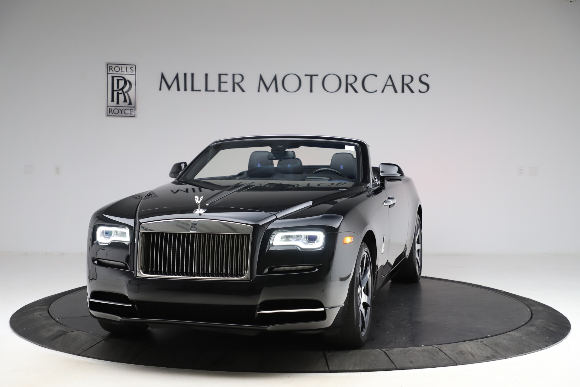 Used 2017 Rolls-Royce Dawn for sale $229,900 at Bentley Greenwich in Greenwich CT 06830 1