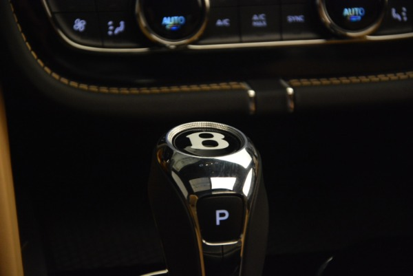 Used 2017 Bentley Bentayga for sale Sold at Bentley Greenwich in Greenwich CT 06830 24